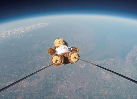 Roffa the teddy bear in space